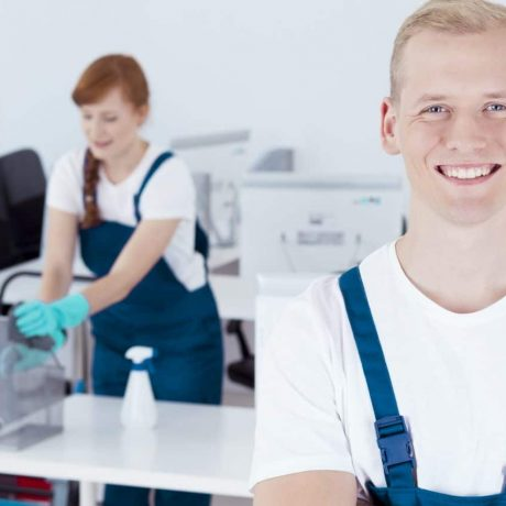 Good cooperation in cleaning offices by professional workers
